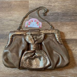 Be&D Leather purse with chain handle